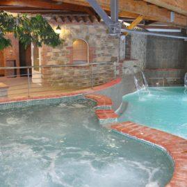 Bains d'eaux chaudes naturelles